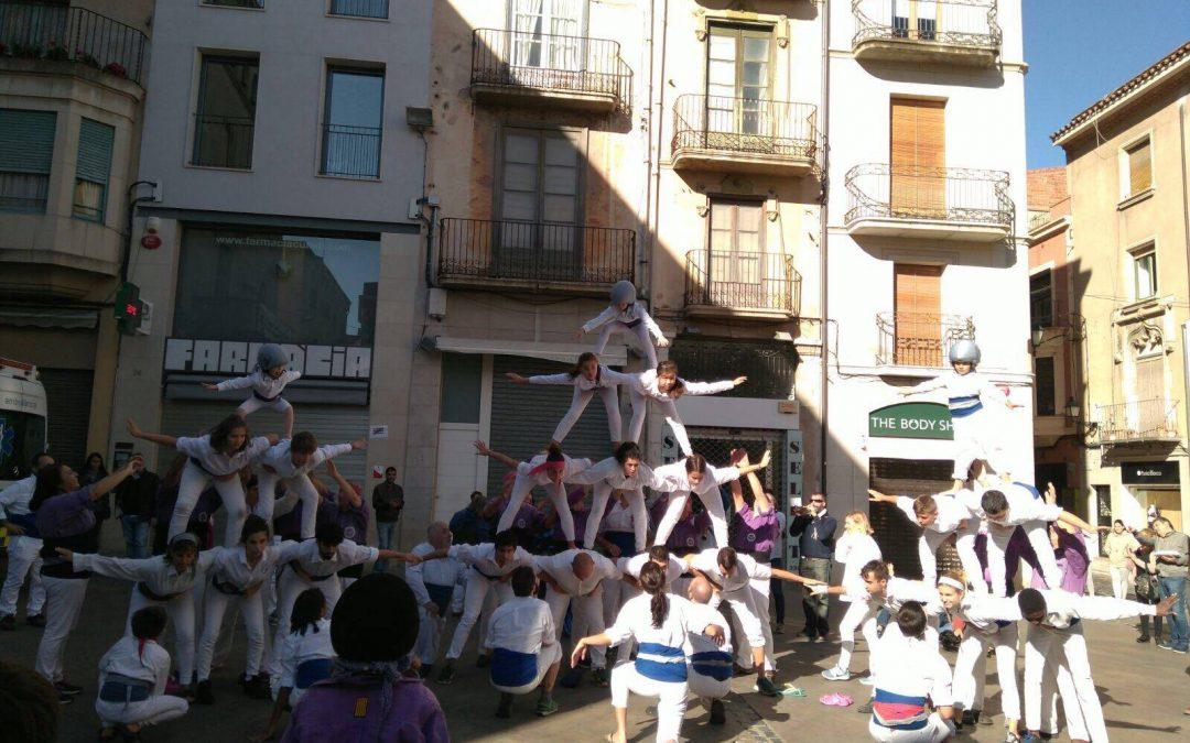 Els Falcons de Vilanova visiten als Castellers de Figueres